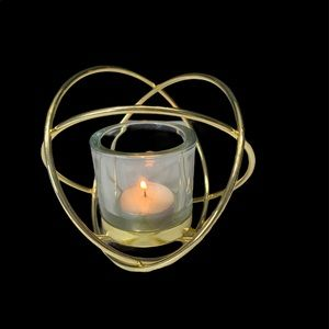 Accent candle holder